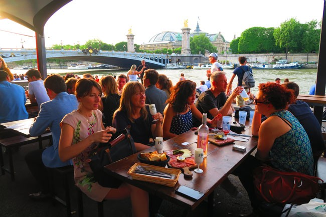 Drinks near Pont Alexandre Paris magic spot