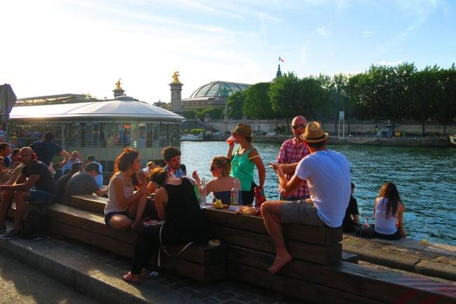 Drinks on the seine