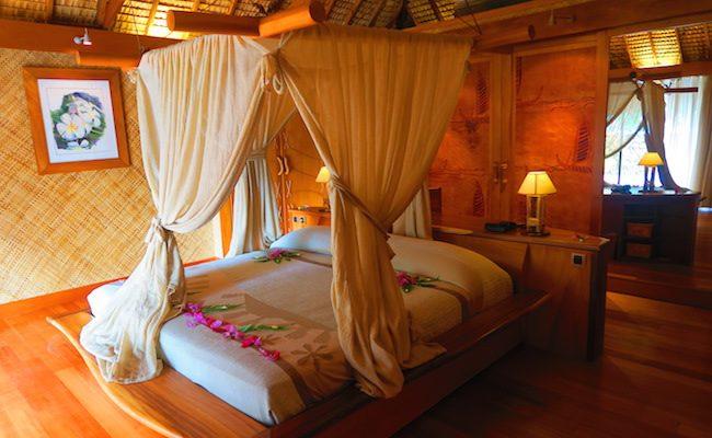 le tahaa luxury resort french polynesia - private vila bedroom