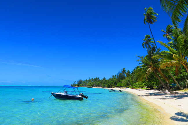 matira beach bora bora french polynesia boat
