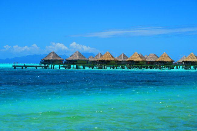 overwater bungallows in bora bora french polynesia