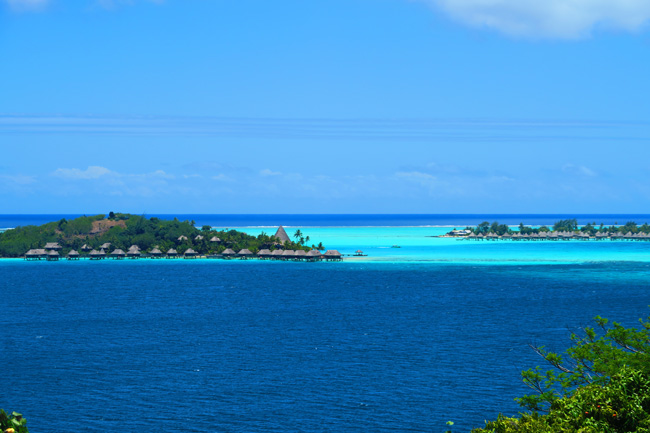 overwater bungallows panoramic view bora bora french polynesia