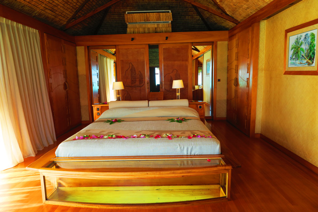 overwater bungalow interior le tahaa luxury resort french polynesia