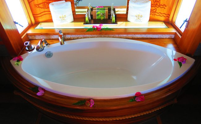 overwater bungalow le tahaa luxury resort french polynesia bath tub