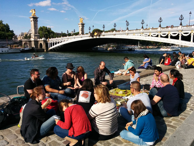 Picnic by the pont alexandre Paris