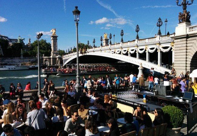 Summer bar peniche Paris