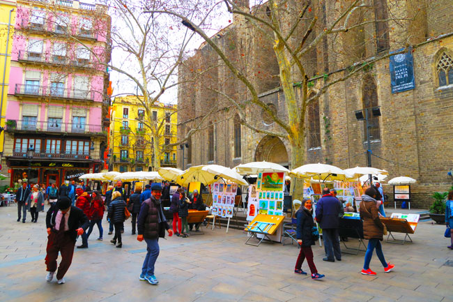 Placa-de-Sant-Josep-Oriol-Barcelona-weekend-art-market