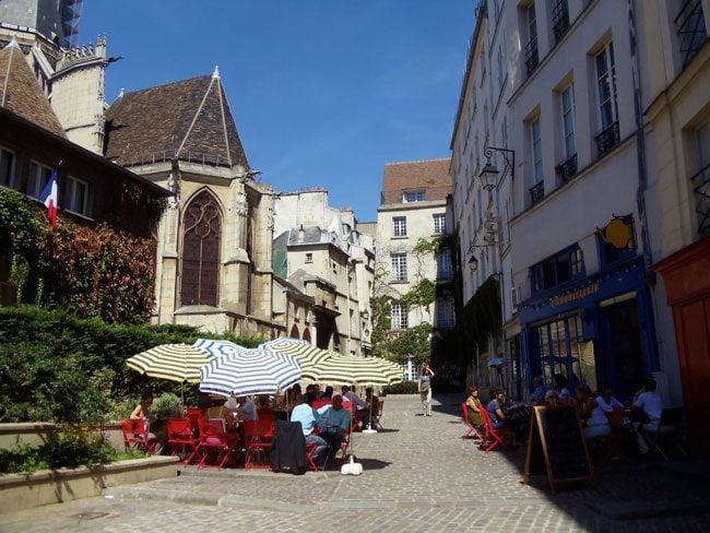 L' Ebouillante in rue des Barres nicest Paris street