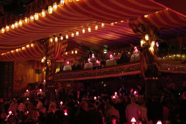 Moulin-Rouge-Paris-VIP-dinner