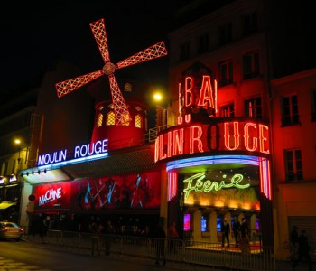 Champagne & Show at the Moulin Rouge: Things To Do In Paris
