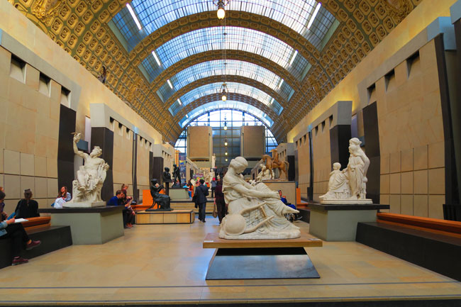 Musee d'Orsay sculpture grund level Paris