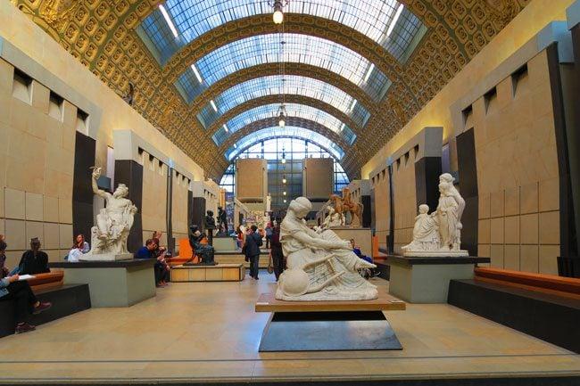 Musee d'Orsay sculpture grund level Paris