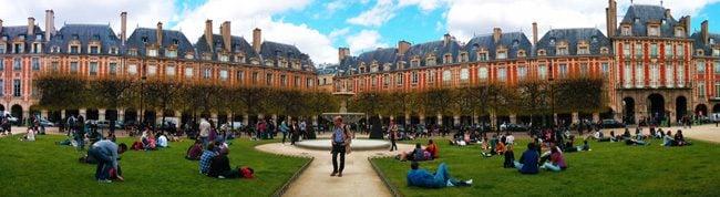 things to do in paris Place de Vosges Marais