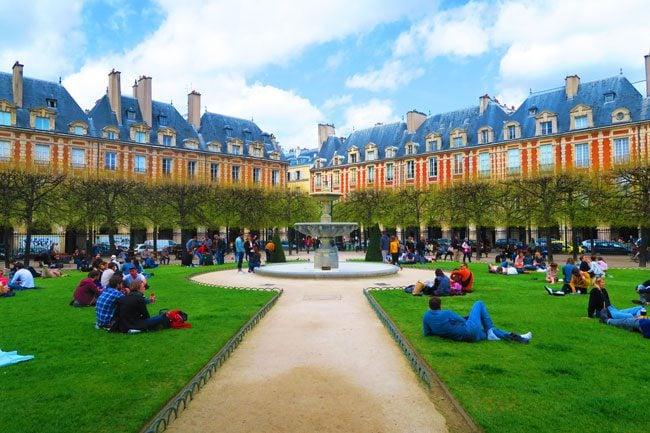 Place de Vosges Marais Paris
