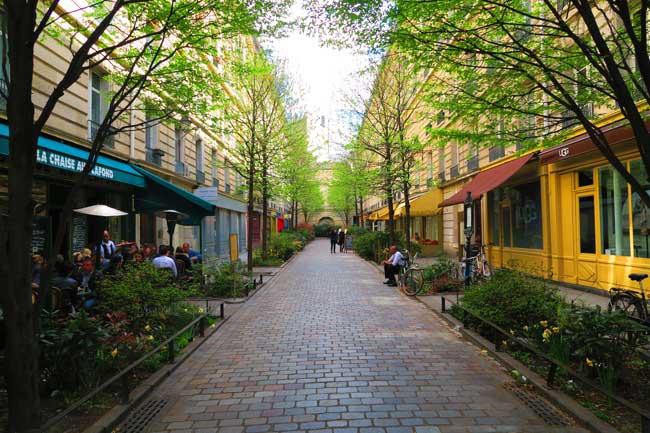 Rue du Tresor cute street in the Marais Paris
