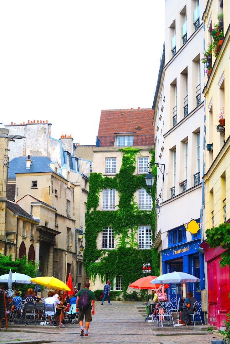 Sunday In The Marais District Of Paris
