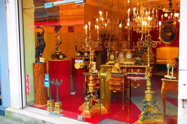paris flea market marche aux puces Marché Biron furniture