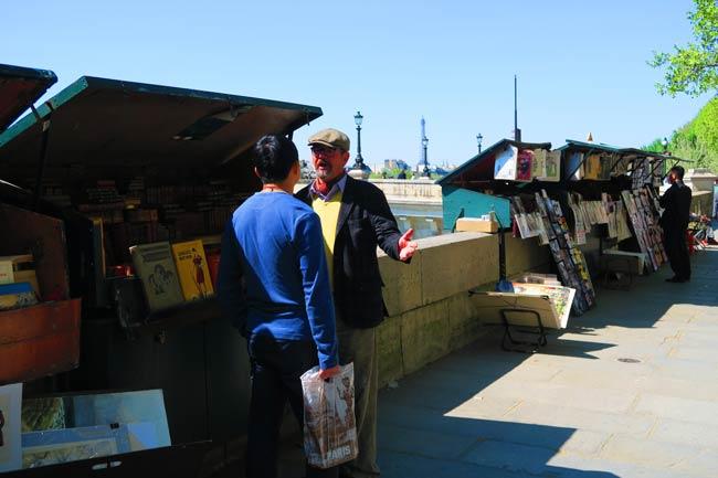 Bouquinistes paris book stalls on seine