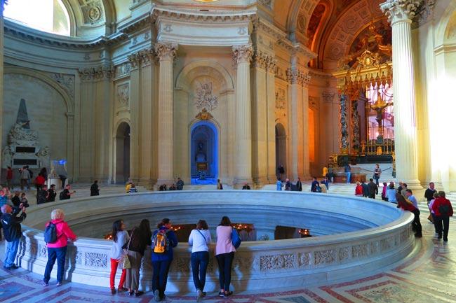 Eglise du Dome Le Tombeau de Napoléon Open Pit