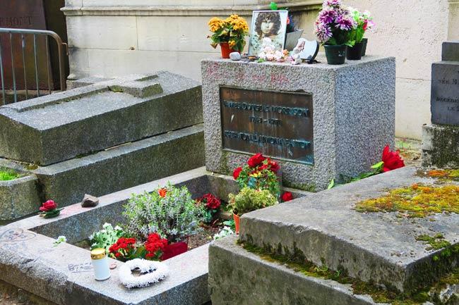 Jim Morrison Grave Pere Lachaise Cemetery Paris