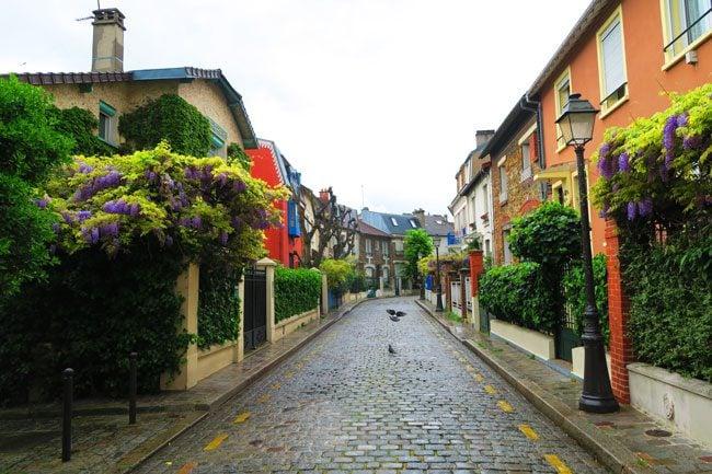 la Campagne à Paris beautiful village street in paris