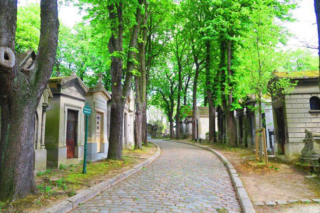 Pere Lachaise Cemetery Paris cobbled lanes