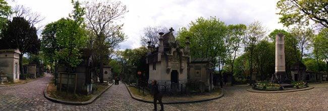 Pere Lachaise Cemetery Paris confusing lanes