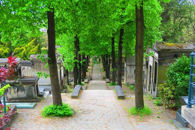 Pere Lachaise Cemetery Paris grounds