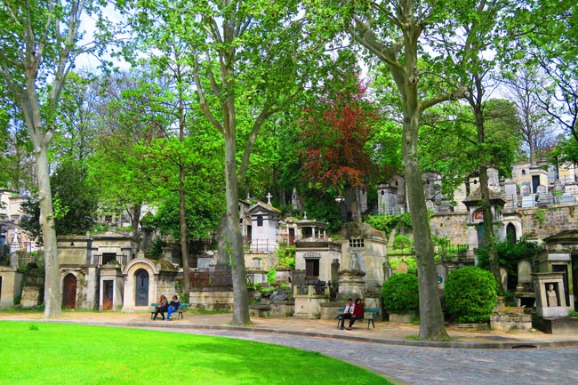 Pere Lachaise Cemetery Paris nice spot