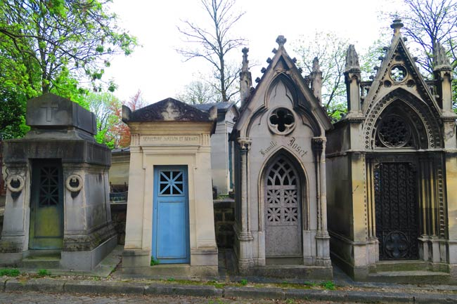 Pere Lachaise Cemetery Paris old Graves cloudy day