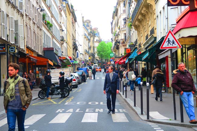 Paris grands boulevards itinerary where to go eat shop for Miroir rue des martyrs