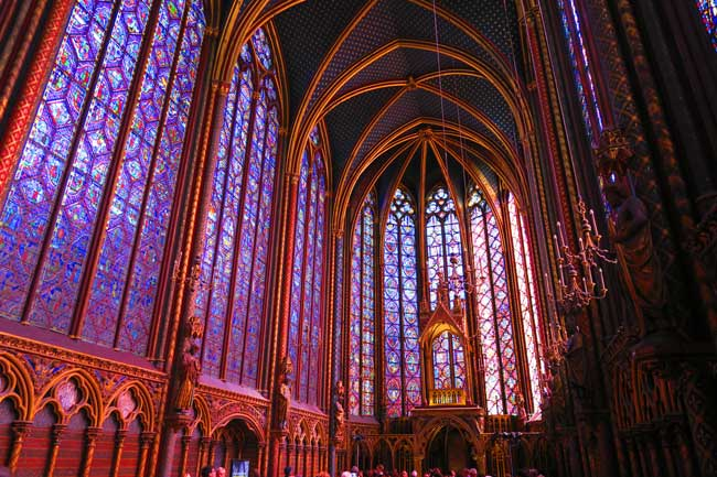 sainte chapelle paris alter - the best cathedrals in Paris
