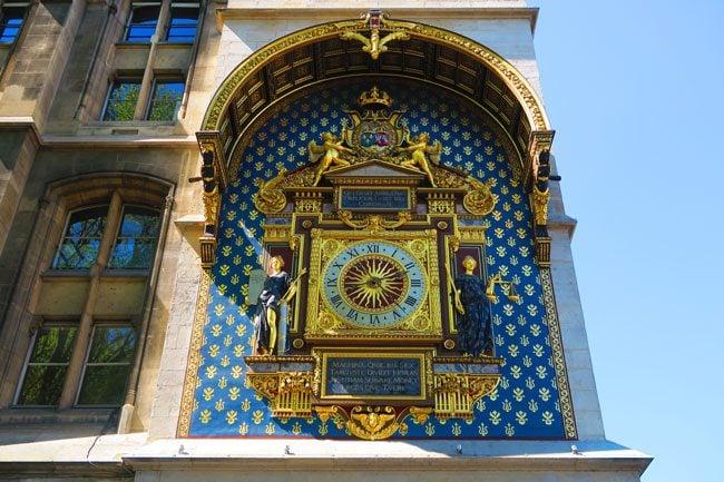 Tour de l'Horloge first clock in paris
