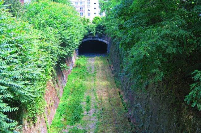 abandoned paris railroad Chemin de fer de Petite Ceinture