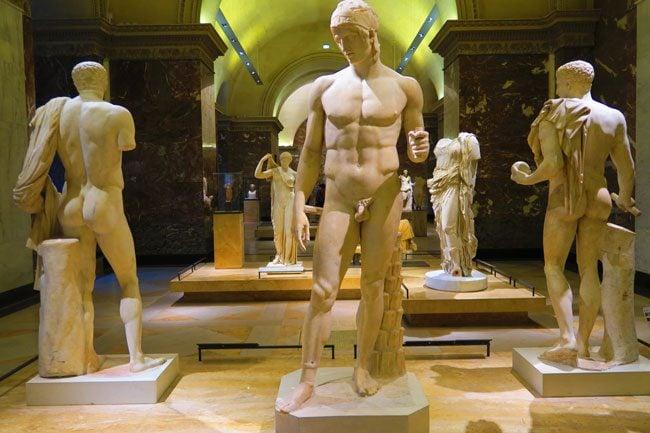 ancient greek sculptures louvre museum