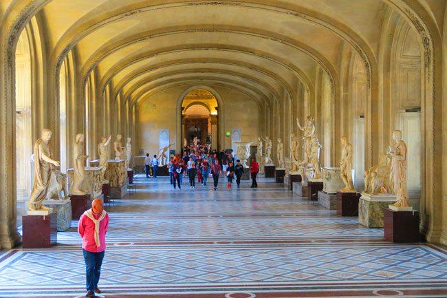 Galerie Michel Ange Louvre paris