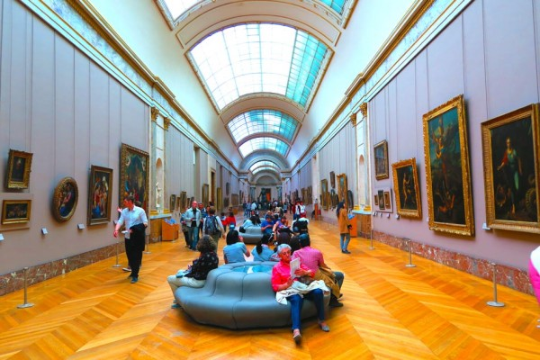 essay on the louvre museum
