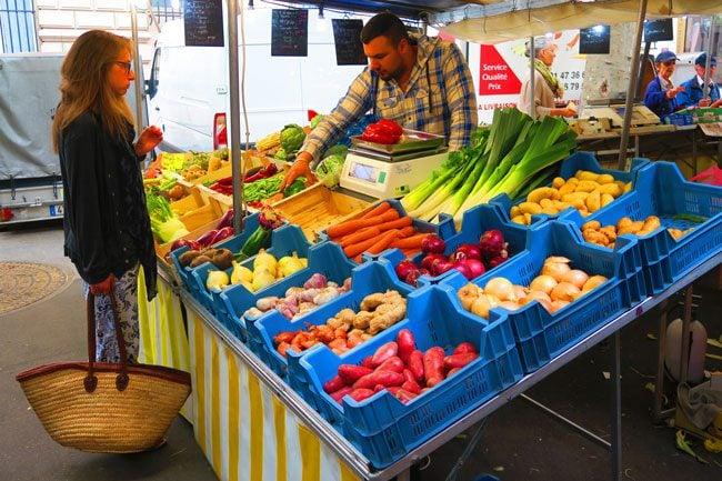 Marche monge classic parisian market