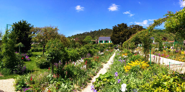 Monet garden Giverny panoramic view