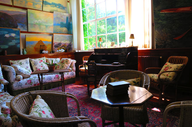 Monet living room giverny france