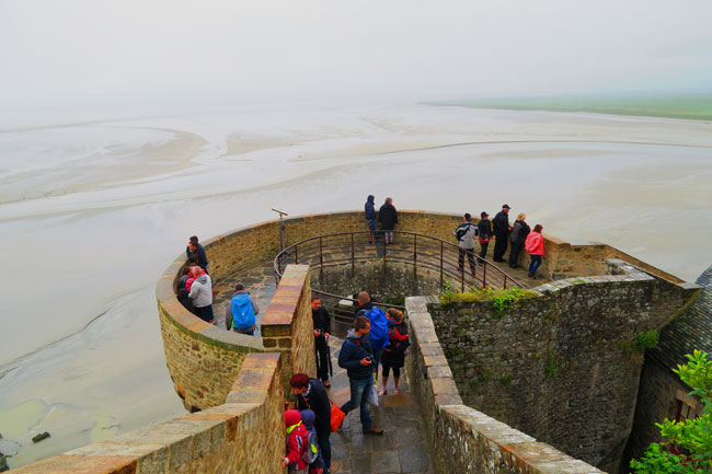 mont saint michel ramparts
