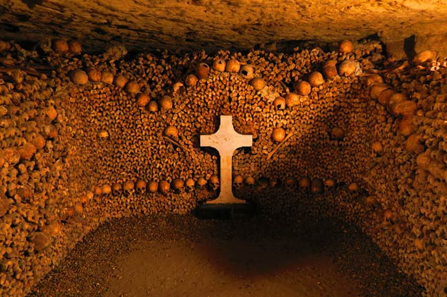 A Complete Guide For Visiting The Catacombs Of Paris X Days In Y