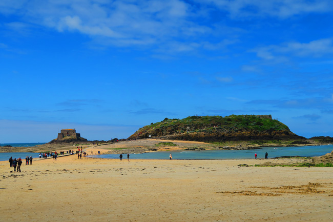 1 Day In Saint Malo Saint Malo Itinerary Guide # Le Petit Bois Saint Malo