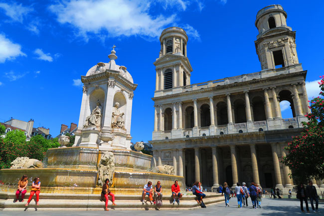 Place saint Sulpice saint germain Paris