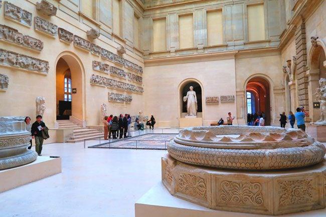 Roman hall louvre museum