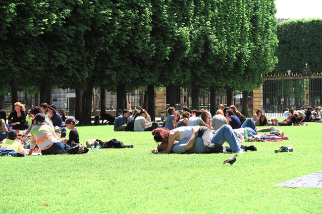 Romance in the Luxembourg Gardens