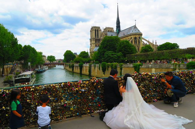Romantic Paris photo - notre dame