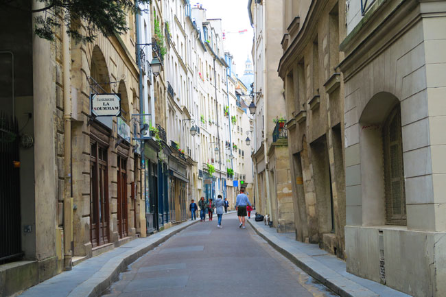 Saint Germain Paris narrow old streets