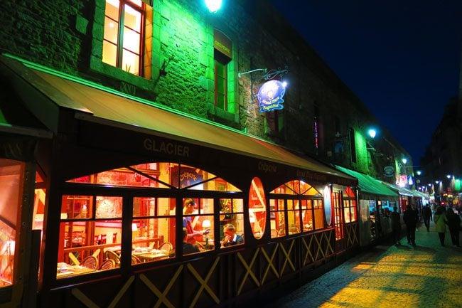 saint malo restaurant by night
