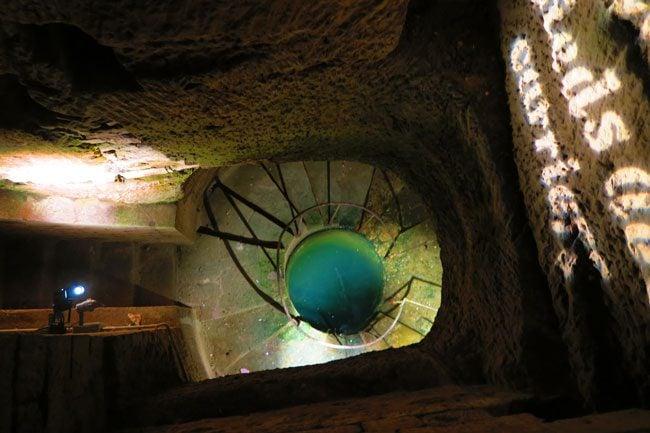 underground well paris catacombs